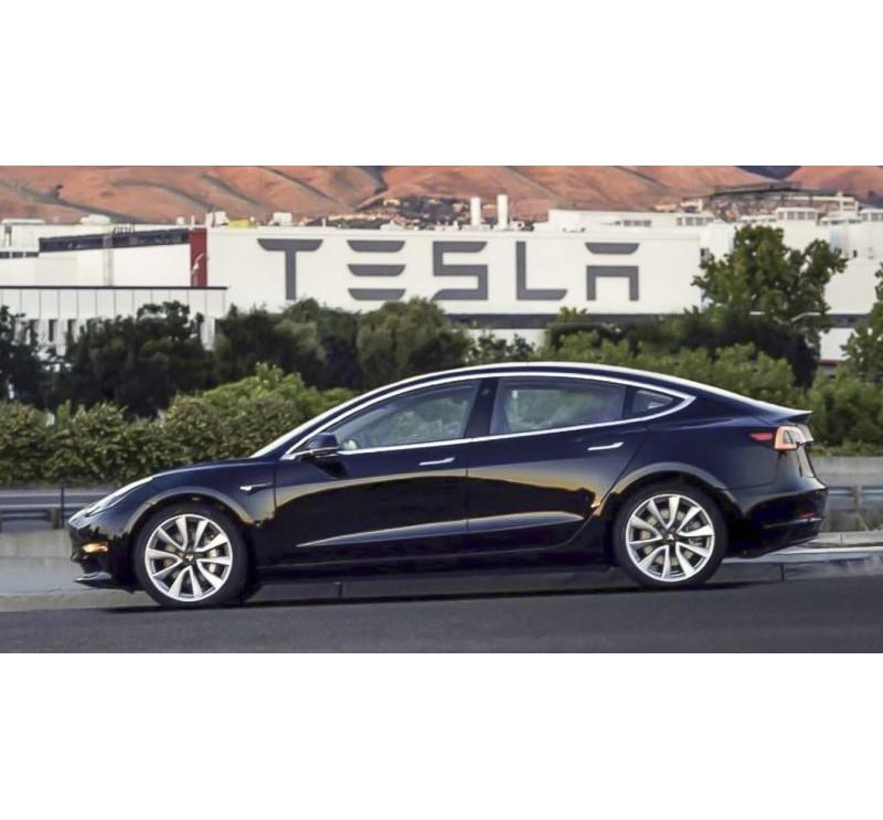 Tesla Bu Sene Türkiye'ye Geliyor!